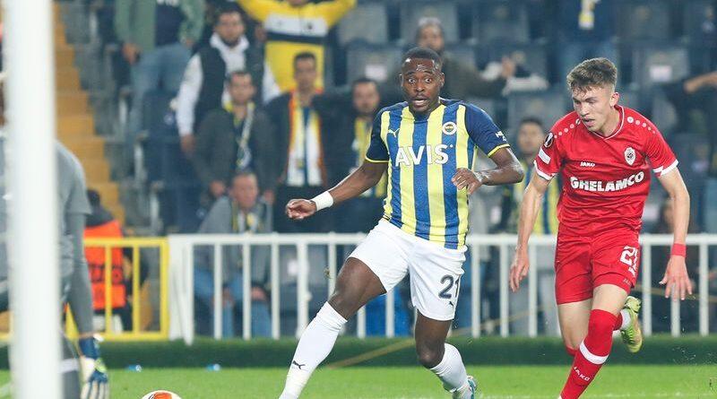 Fenerbahçe Sahasında Fırsat Tepti